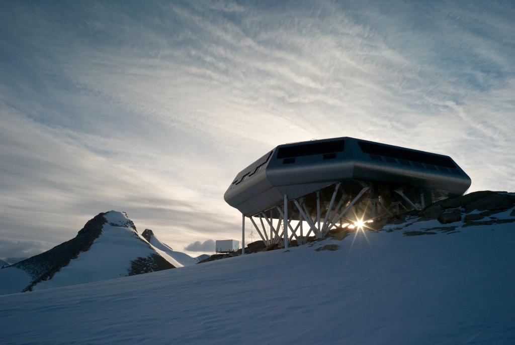 Princess Elisabeth Antarctic research station photographed against the sunlight by René Robert